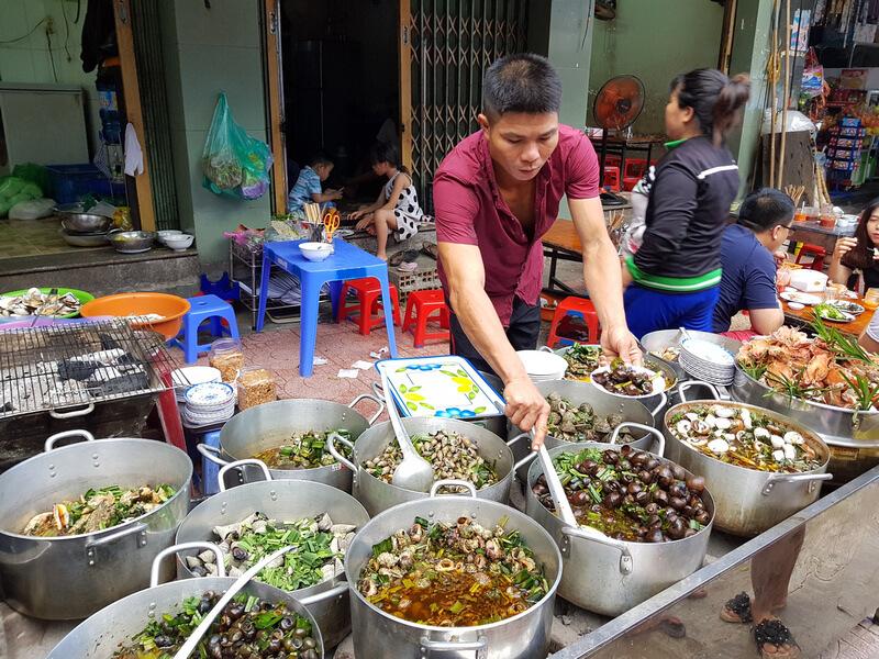 Meeresfrüchte und Schnecken in Vietnam